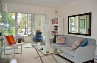 Photo 2: 201 155 E 3RD Street in North Vancouver: Lower Lonsdale Condo for sale : MLS®# R2460061