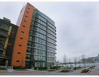 Photo 1: 700 9 Smithe Mews in Vancouver: Condo for sale : MLS®# V781778