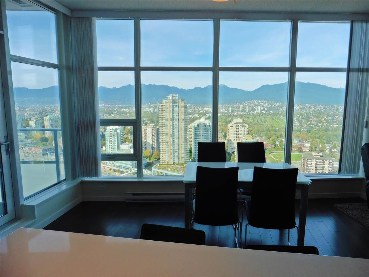 """Photo 16: Photos: 3702 4880 BENNETT Street in Burnaby: Metrotown Condo for sale in """"CHANCELLOR"""" (Burnaby South)  : MLS®# R2006395"""
