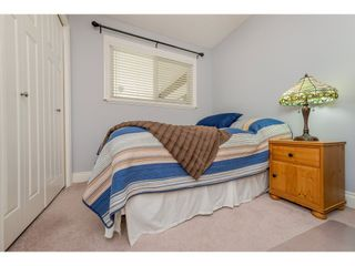 Photo 16: 17924 SHANNON Place in Surrey: Cloverdale BC House for sale (Cloverdale)  : MLS®# R2176477