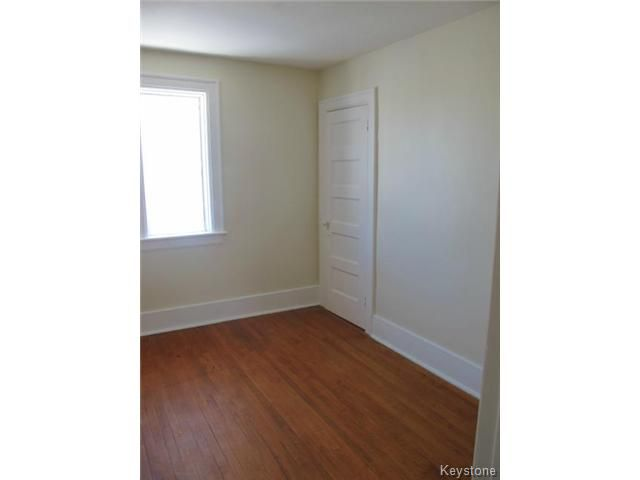 Photo 14: Photos:  in WINNIPEG: North End Residential for sale (North West Winnipeg)  : MLS®# 1404958