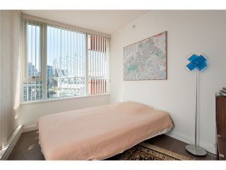 Photo 8: # 1807 918 COOPERAGE WY in Vancouver: Yaletown Condo for sale (Vancouver West)  : MLS®# V1006195