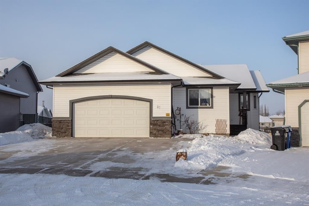 Main Photo: 21 Pondside Crescent in Blackfalds: Panorama Estates Residential for sale : MLS®# A1070343