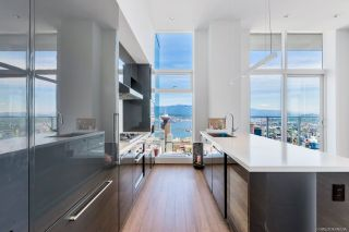 "Photo 6: PH6 777 RICHARDS Street in Vancouver: Downtown VW Condo for sale in ""TELUS GARDEN"" (Vancouver West)  : MLS®# R2463480"