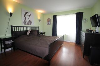 """Photo 9: 18486 65 Avenue in Surrey: Cloverdale BC House for sale in """"Clover Valley Station"""" (Cloverdale)  : MLS®# R2201415"""