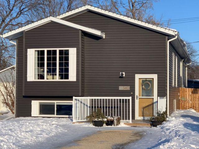Main Photo: 140 16th Street SW in Portage la Prairie: House for sale : MLS®# 202103101