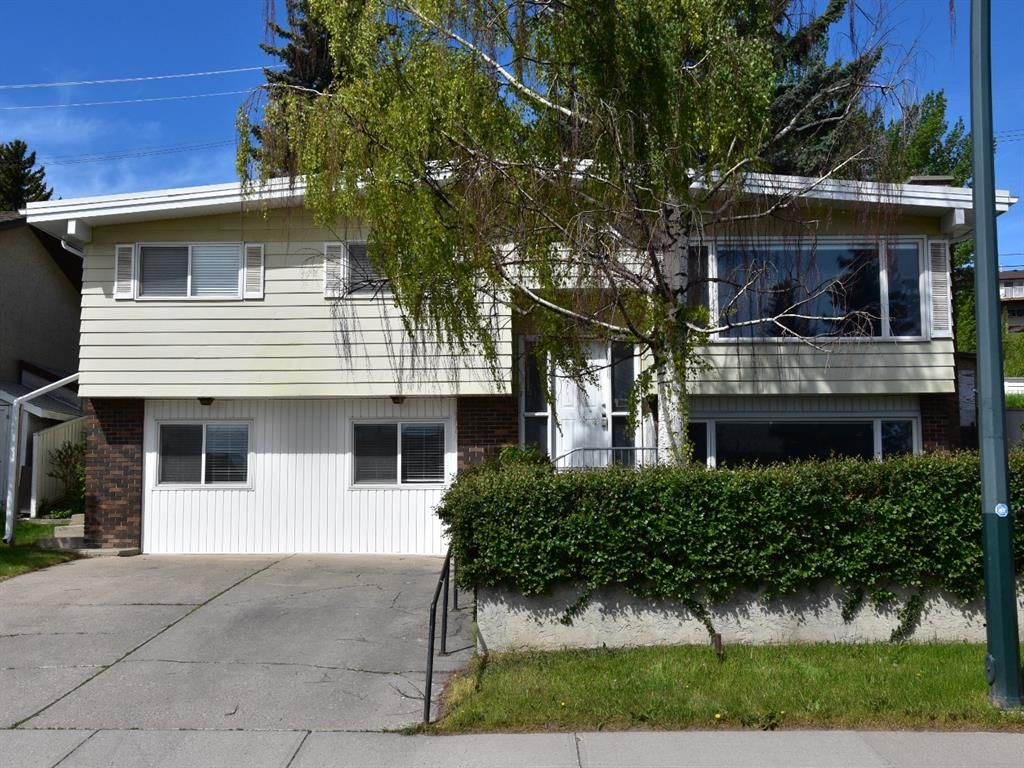 Main Photo: 635 Tavender Road NW in Calgary: Thorncliffe Detached for sale : MLS®# A1117186
