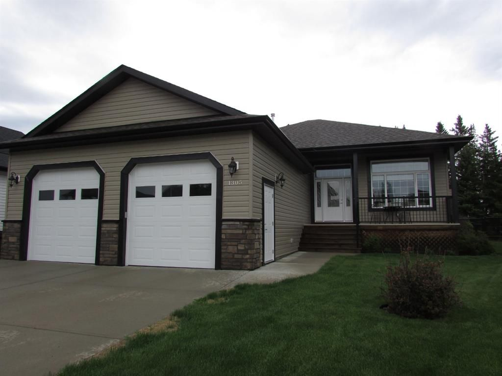 Main Photo: 1305 2nd ST: Sundre Detached for sale : MLS®# A1120309