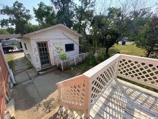Photo 3: 219 Hood Street in Maple Creek: Residential for sale : MLS®# SK867132
