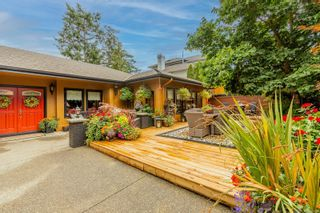 Photo 2: 392 Crystalview Terr in : La Mill Hill House for sale (Langford)  : MLS®# 885364