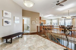 Photo 3: 68 CRESTRIDGE Way SW in Calgary: Crestmont House for sale : MLS®# C4128621