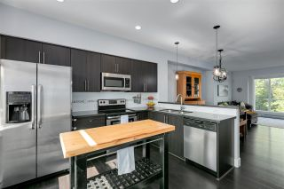 """Photo 11: 62 15405 31 Avenue in Surrey: Grandview Surrey Townhouse for sale in """"NUVO2"""" (South Surrey White Rock)  : MLS®# R2492810"""
