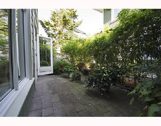 Photo 3: 357 W 11TH Avenue in Vancouver: Mount Pleasant VW Townhouse for sale (Vancouver West)  : MLS®# V726555