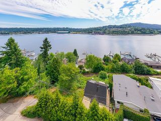Photo 4: 940 IOCO Road in Port Moody: Barber Street House for sale : MLS®# R2607344
