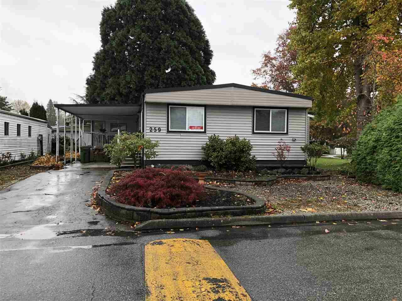 "Main Photo: 259 1840 160 Street in Surrey: King George Corridor Manufactured Home for sale in ""Breakaway Bays"" (South Surrey White Rock)  : MLS®# R2414223"