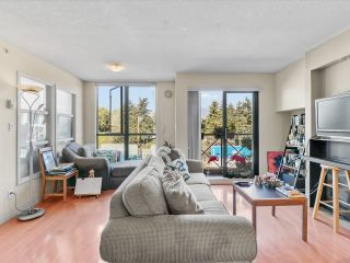 """Photo 3: 403 55 ALEXANDER Street in Vancouver: Downtown VE Condo for sale in """"55 Alexander"""" (Vancouver East)  : MLS®# R2614776"""
