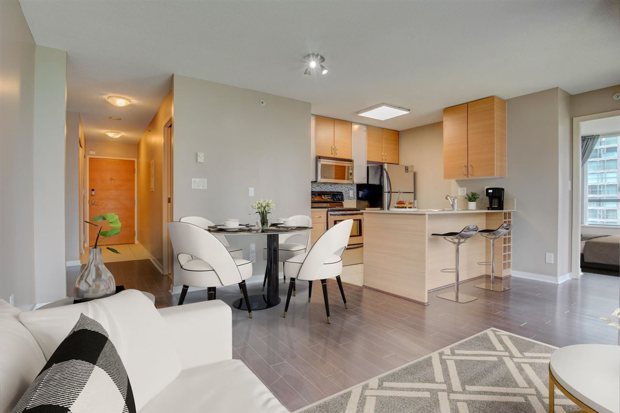 Main Photo: 904 928 HOMER Street in Vancouver: Yaletown Condo for sale (Vancouver West)  : MLS®# R2577725