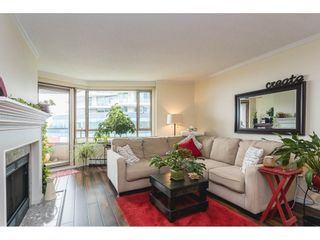 """Photo 3: 502 15111 RUSSELL Avenue: White Rock Condo for sale in """"Pacific Terrace"""" (South Surrey White Rock)  : MLS®# R2597995"""