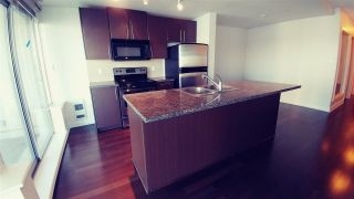 """Photo 4: 2302 898 CARNARVON Street in New Westminster: Downtown NW Condo for sale in """"AZZURE 1"""" : MLS®# R2516929"""