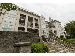 Photo 2: # 301 1655 GRANT AV in Port Coquitlam: Glenwood PQ Condo for sale : MLS®# V1080135