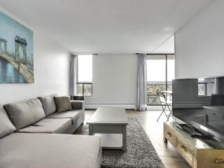 """Photo 4: 1203 2370 W 2ND Avenue in Vancouver: Kitsilano Condo for sale in """"Century House"""" (Vancouver West)  : MLS®# R2625457"""