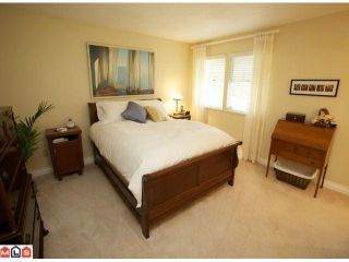 """Photo 8: 113 14280 19A Avenue in Surrey: Sunnyside Park Surrey Townhouse for sale in """"Tiffany Lane"""" (South Surrey White Rock)  : MLS®# F1111117"""