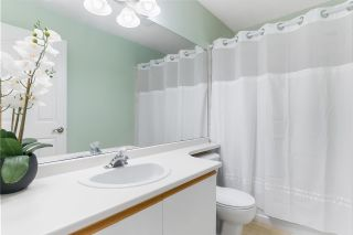 """Photo 19: 31 9045 WALNUT GROVE Drive in Langley: Walnut Grove Townhouse for sale in """"BRIDLEWOODS"""" : MLS®# R2589881"""