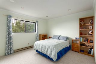 """Photo 16: 5728 OWL Court in North Vancouver: Grouse Woods Townhouse for sale in """"Spyglass Hill"""" : MLS®# R2266882"""
