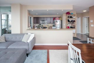 """Photo 7: 902 189 NATIONAL Avenue in Vancouver: Mount Pleasant VE Condo for sale in """"SUSSEX BY Bosa"""" (Vancouver East)  : MLS®# R2141629"""