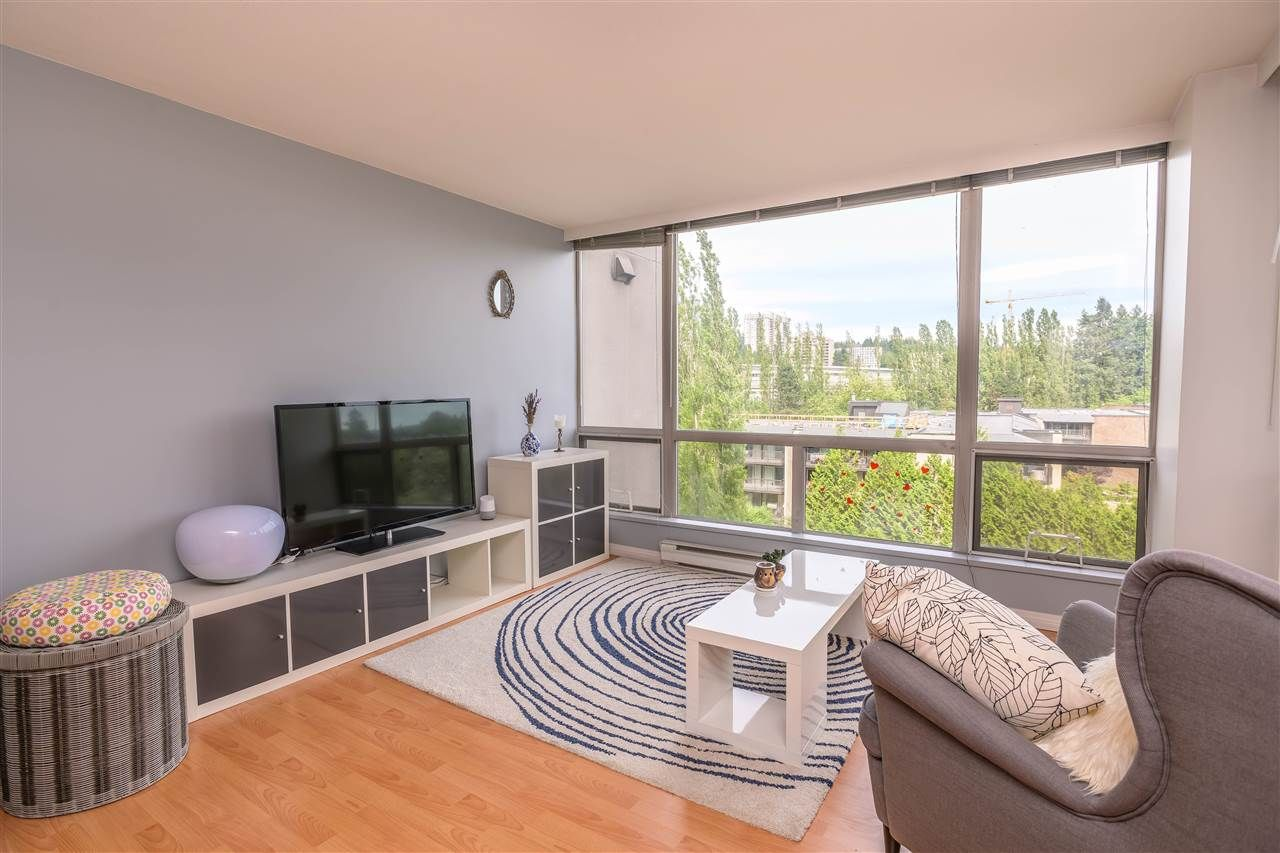 Photo 4: Photos: 603 9623 MANCHESTER Drive in Burnaby: Cariboo Condo for sale (Burnaby North)  : MLS®# R2381331
