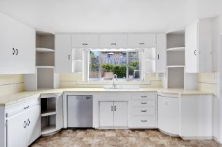 Photo 15: SOLANA BEACH House for sale : 3 bedrooms : 654 Glenmont