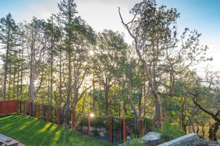 Photo 15: 1383 Flint Ave in : La Bear Mountain House for sale (Langford)  : MLS®# 877460