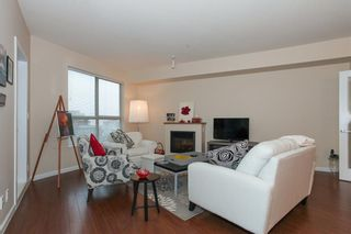 Photo 5: 204 275 Ross Drive in New Westminster: Fraserview Condo for sale : MLS®# R2109644