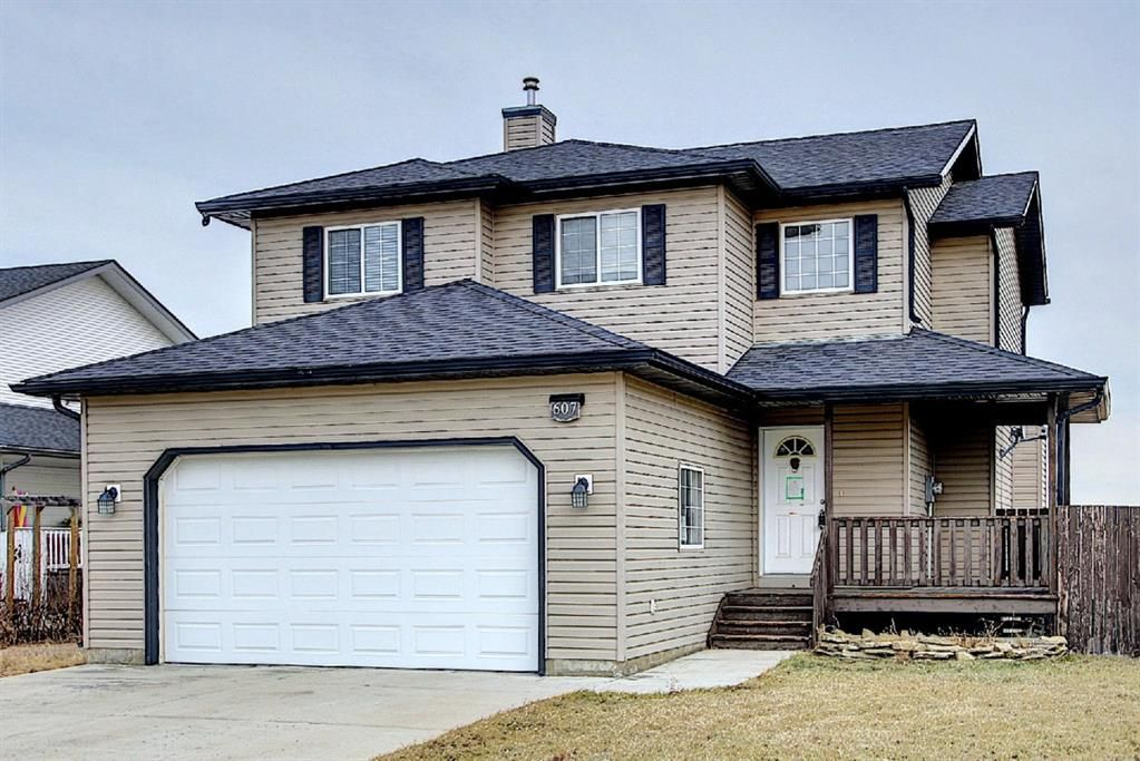 Main Photo: 607 Pioneer Drive: Irricana Detached for sale : MLS®# A1053858
