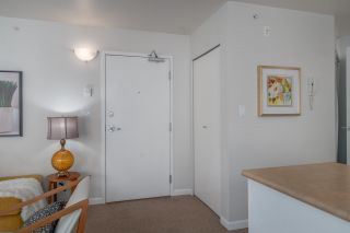 """Photo 7: 401 663 GORE Avenue in Vancouver: Mount Pleasant VE Condo for sale in """"THE STRATHCONA EDGE"""" (Vancouver East)  : MLS®# R2164509"""