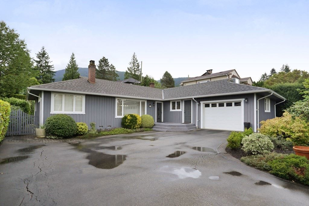 Main Photo: 958 DEVON Road in North Vancouver: Forest Hills NV House for sale : MLS® # R2205971