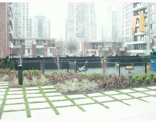 """Photo 3: 903 928 HOMER Street in Vancouver: Downtown VW Condo for sale in """"YALETOWNPARK TOWER 1"""" (Vancouver West)  : MLS®# V718427"""