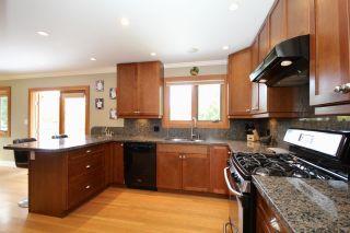 Photo 3: 5235 11 Avenue in Delta: Tsawwassen Central House for sale (Tsawwassen)  : MLS®# R2475558