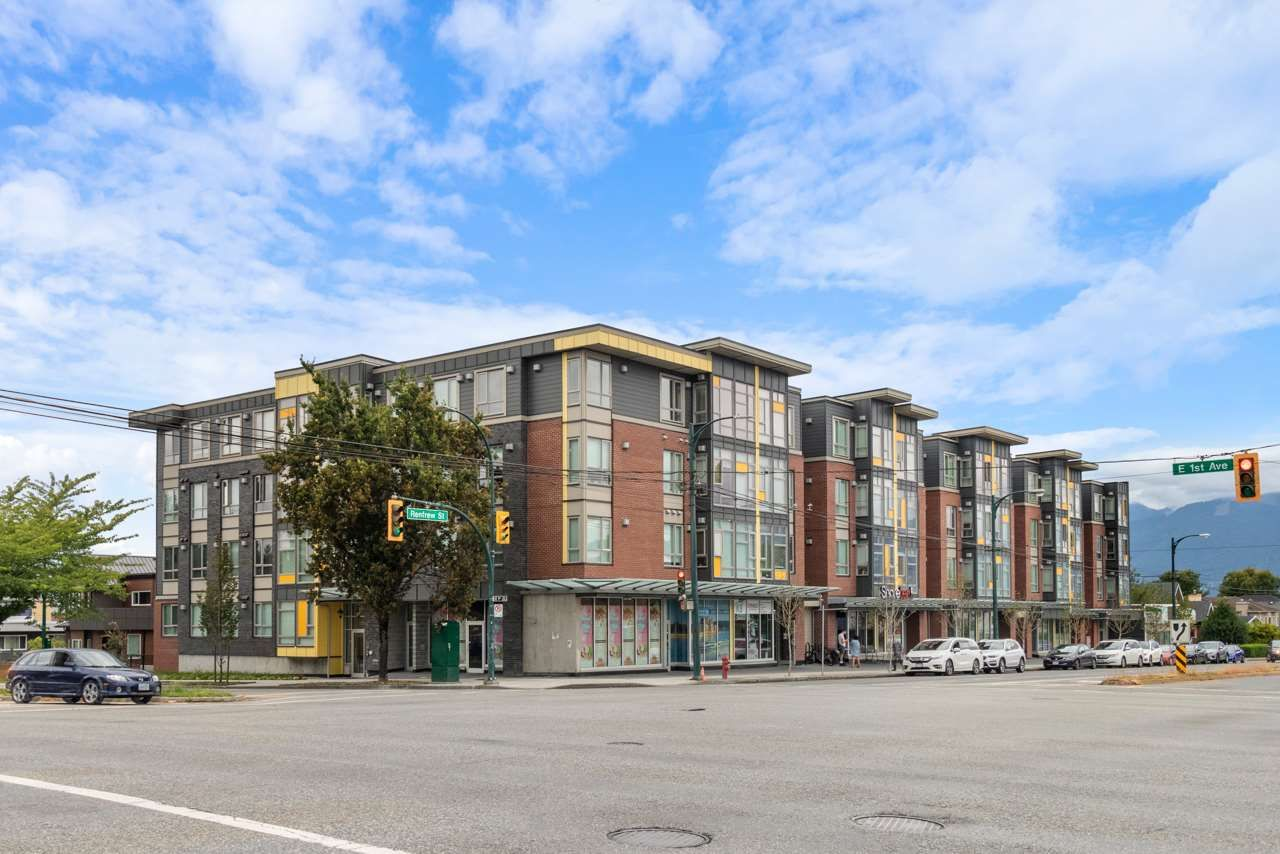 """Main Photo: PH18 2889 E 1ST Avenue in Vancouver: Hastings Condo for sale in """"FIRST & RENFREW"""" (Vancouver East)  : MLS®# R2486160"""