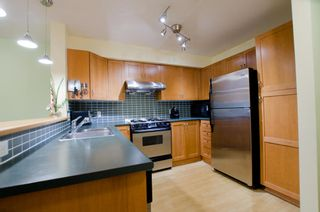 Photo 6: 104 2161 WEST 12TH AVENUE in Carlings: Home for sale