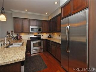 Photo 7: 209 755 Goldstream Ave in VICTORIA: La Langford Proper Condo for sale (Langford)  : MLS®# 590944