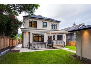 Photo 2: 4476 W 9th Av in Vancouver West: Point Grey House for sale : MLS®# V1119953