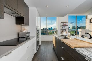 """Photo 3: 1402 1688 PULLMAN PORTER Street in Vancouver: Mount Pleasant VE Condo for sale in """"NAVIO AT THE CREEK"""" (Vancouver East)  : MLS®# R2603444"""