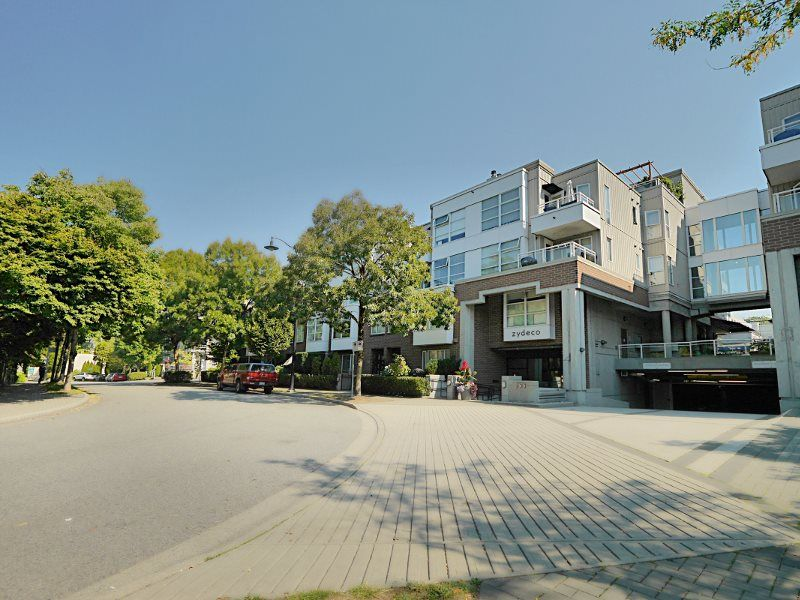 """Photo 14: Photos: 315 2768 CRANBERRY Drive in Vancouver: Kitsilano Condo for sale in """"ZYDECO"""" (Vancouver West)  : MLS®# R2566057"""