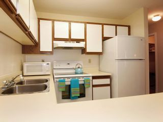 Photo 6: 5 12915 16 Avenue in Surrey: Crescent Bch Ocean Pk. Townhouse for sale (South Surrey White Rock)  : MLS®# F2815551