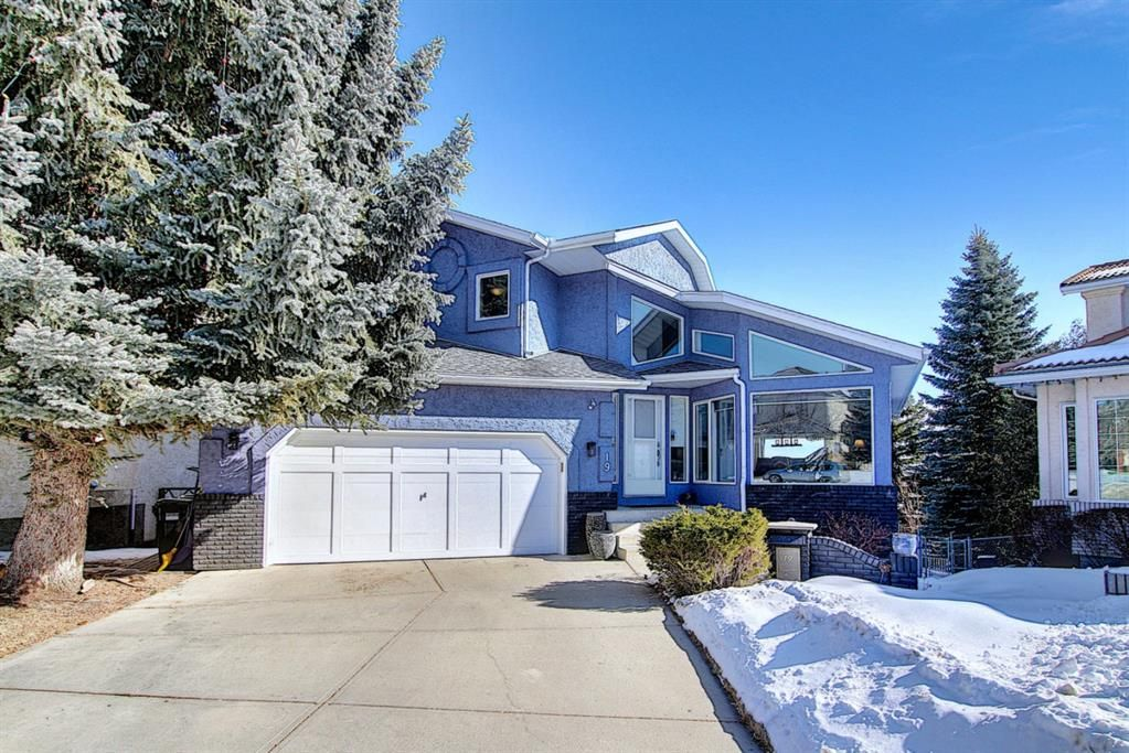 Main Photo: 19 Signal Hill Mews SW in Calgary: Signal Hill Detached for sale : MLS®# A1072683