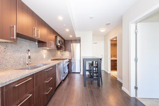 """Photo 8: 557 108 W 1ST Avenue in Vancouver: False Creek Condo for sale in """"WALL CENTRE"""" (Vancouver West)  : MLS®# R2614922"""