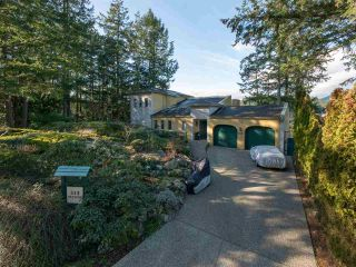 """Photo 33: 313 SKYLINE Drive in Gibsons: Gibsons & Area House for sale in """"THE BLUFF"""" (Sunshine Coast)  : MLS®# R2560064"""