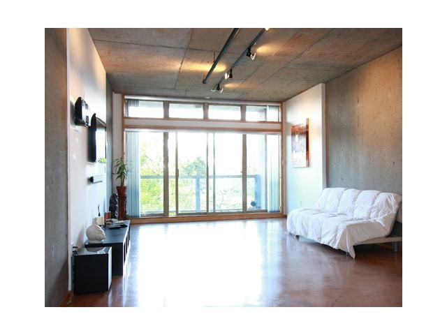 """Main Photo: 202 1529 W 6TH Avenue in Vancouver: False Creek Condo for sale in """"WSIX"""" (Vancouver West)  : MLS®# V819849"""