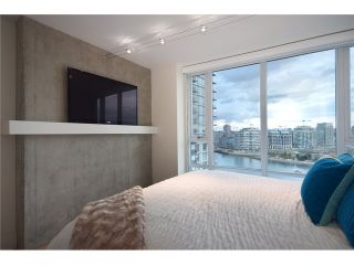 """Photo 5: 1203 918 COOPERAGE Way in Vancouver: Yaletown Condo for sale in """"THE MARINER"""" (Vancouver West)  : MLS®# V1048985"""